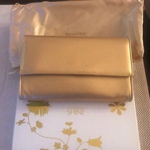 Pandora shine clutch new